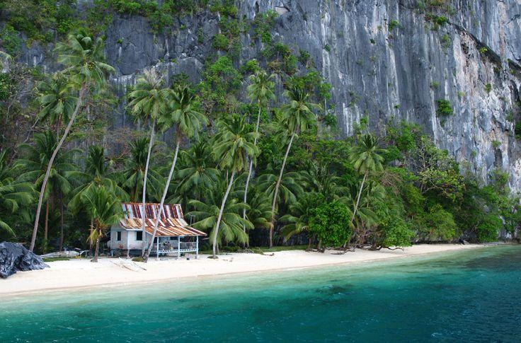 Reizen door de Filipijnen betekent keuzestress. Want hoe moet je kiezen tussen 7107 tropische eilanden, het ene nog mooier dan het andere? Wij hadden een maand om door de Filipijnen te reizen en de…