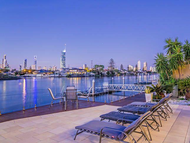 RIVERVIEW VILLA @ BROADBEACH, a Gold Coast Waterfront LUXURY HOME ON MAIN RIVER | Stayz