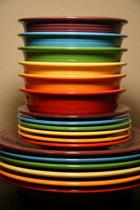 I love Fiesta Ware :): Fiestas Dinnerware, Bright Color, Colors, Rainbows, Fiestawar, Fiestas Dishes, Fiestas Ware, Kitchens Gadgets, Party Ware