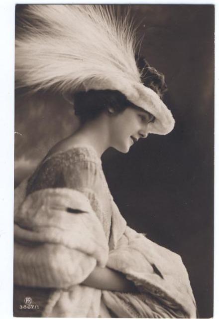 Vintage Ladies Cabinet Cards (77)from vintageimages.org