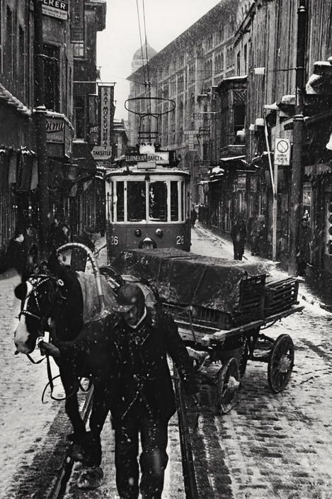 Istanbul 1956    , Photo: Ara Güler