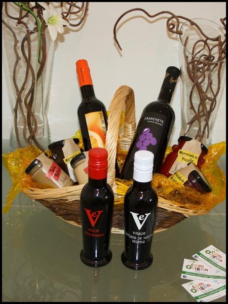 CESTA PARA MI JUAN Y PARA MÍ - Cestas #gourmet, repleta de #gastronomía. El mejor regalo que puedes hacer. Para San Juan... ¡Regala productos rurales! http://comorigen.com - #ofertas #promociones #descuentos #offers #promotions #SanJuan #SaintJohn #John #Juan #repin #Andalucía #Andalusia #Andalusie #Spain #España #rural #pueblos