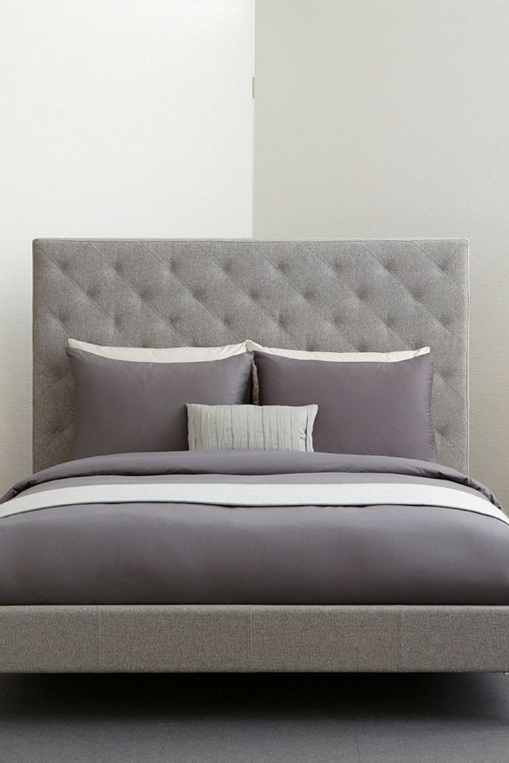 W Hotel Signature Charcoal Bedding//