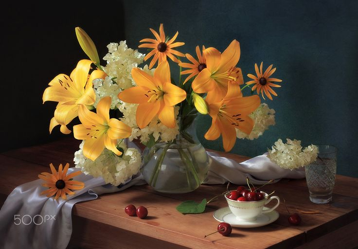Still life with lilies and cherries - null