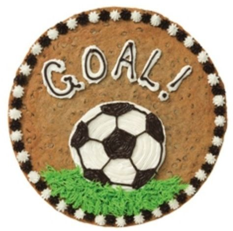 Adorable soccer cake - an alternative to making the whole thing a soccer ball