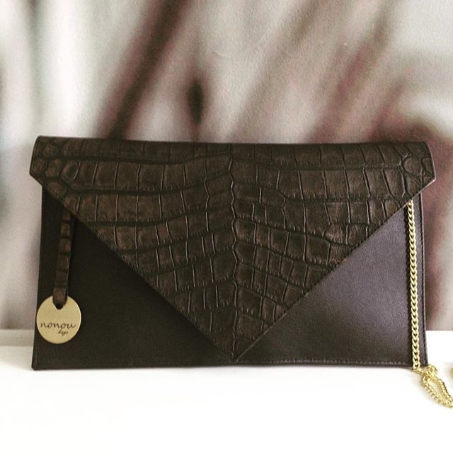 UWAGA KONKURS! Wygraj voucher o wartości 100 zł!Więcej informacji o konkursie znajdziecie na naszym fanpage'u: https://www.facebook.com/nonoubags?sk=app_684336108254110 #nonou #bags #envelopebag #leatherbag #grace #itbag #hot #gold #aligator #win #voucher #polishbrand #polishdesign #fashion #moda #trendy #style #classy #handmade #handmadebag #create #diy #warszawa #warsaw