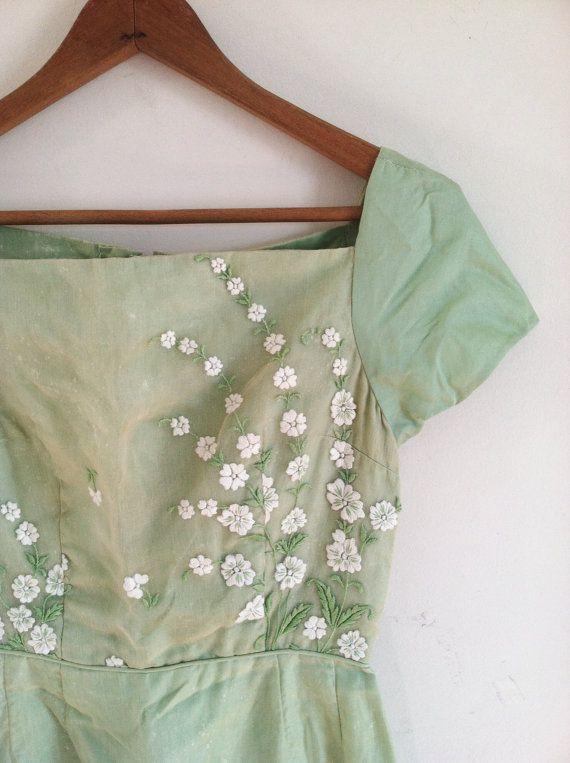 1940s-1950s ORGANDY light emerald floral wiggle door croatiavintage