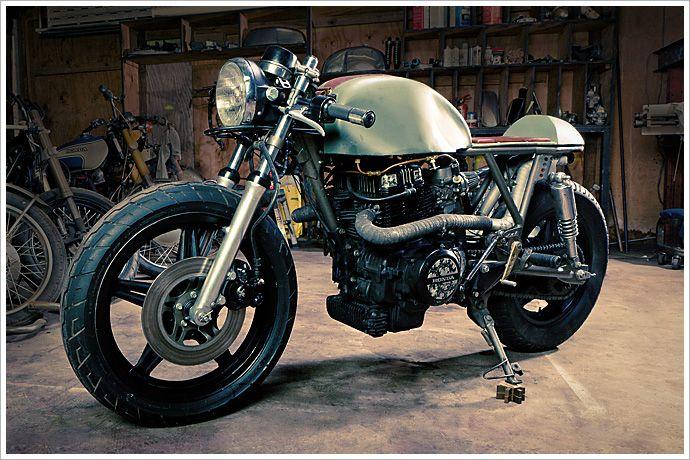 Retro Moto's '81 HondaCM400 - Pipeburn - Purveyors of Classic Motorcycles, Cafe Racers & Custom motorbikes