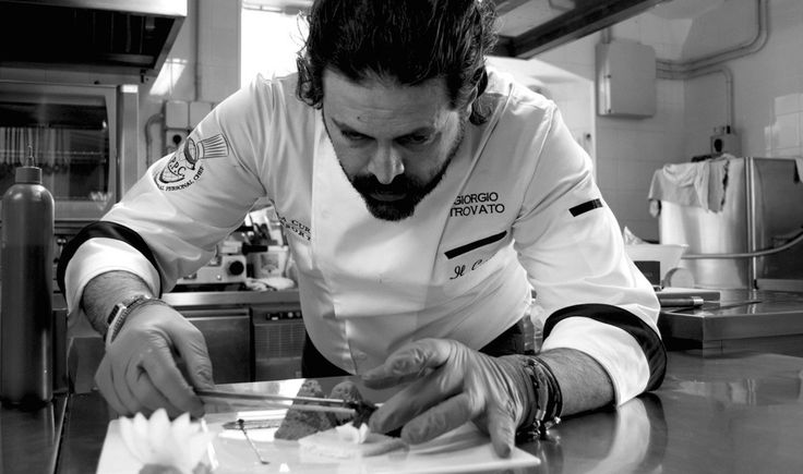 In a splendid fifteenth century residence awarded in 2014 with two stars in the Michelin Guide you can find Giorgio Trovato, executive chef of Il Convitto di Curina.