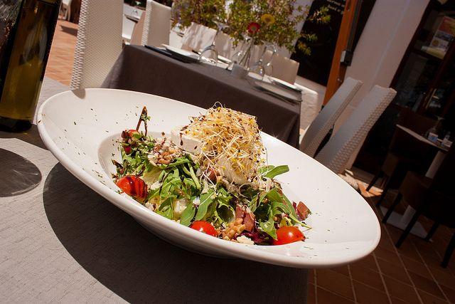 Ensalada de Queso Cabra, served on Restaurante Piero Rossi in Alcudia Port