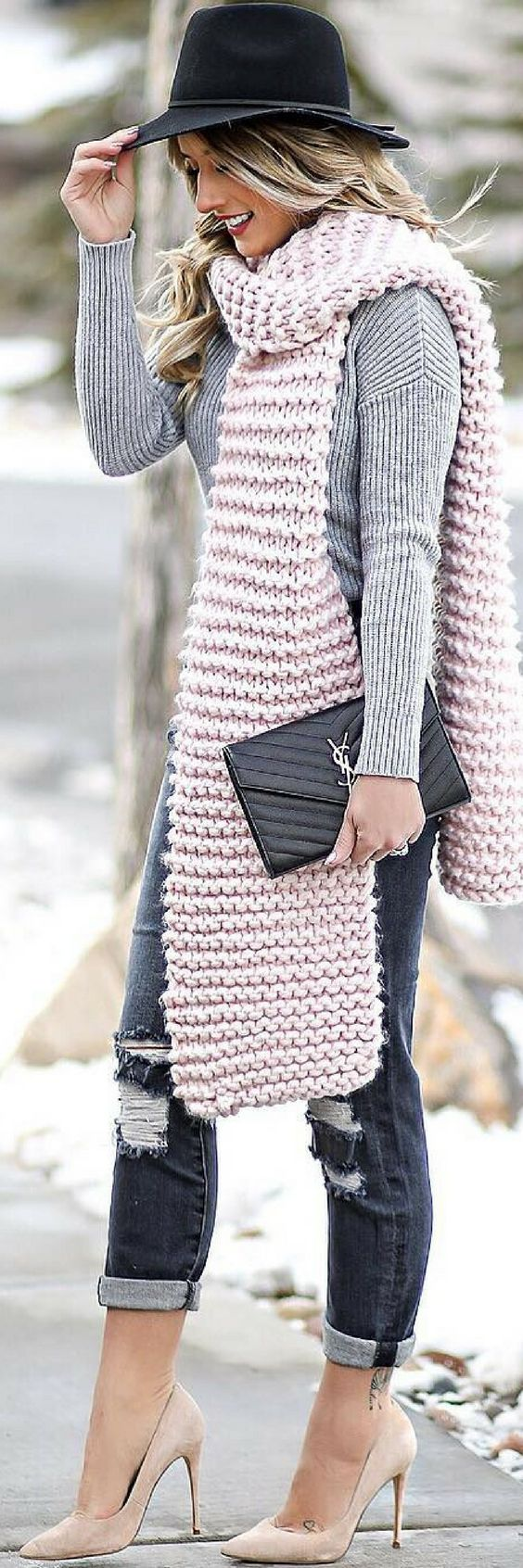 How To Style 7 Of The Most Amazing Winter Outfits https://ecstasymodels.blog/2017/12/15/style-7-amazing-winter-outfits/