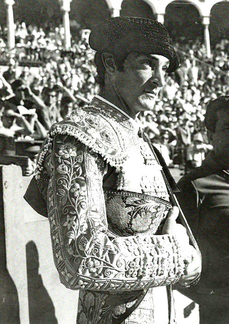 Alfredo Leal, matador en Sevilla... de Penita y Melón