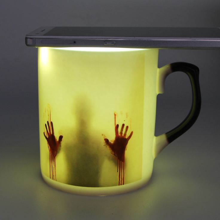 Encontrar Más Tazas/Mugs/Tarros Información acerca de Envío de la gota Zombie Cambiante del Color del Café de china de Hueso Taza sensible al Calor taza De Té de Impresión con walking dead manos ensangrentadas, alta calidad cup print, China color changing coffee mug Proveedores, barato changing coffee mug de Funny Garret Store en Aliexpress.com