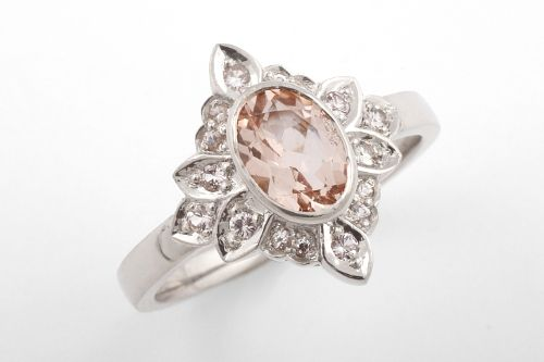 Vintage style ring with sapphires. CaiSanni