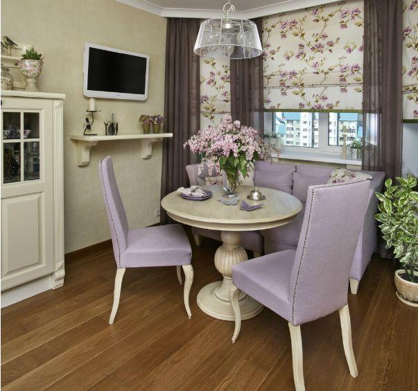 Кажется, что эта столовая в стиле прованс находится не в городской квартире, а в загородном доме – настолько свежей и умиротворенной она выглядит.