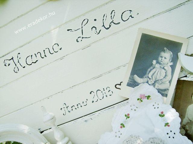 Provence-i stílusú, antikolt fehér névre szóló játéktároló láda. Fotó azonosító: JATNORFEH02