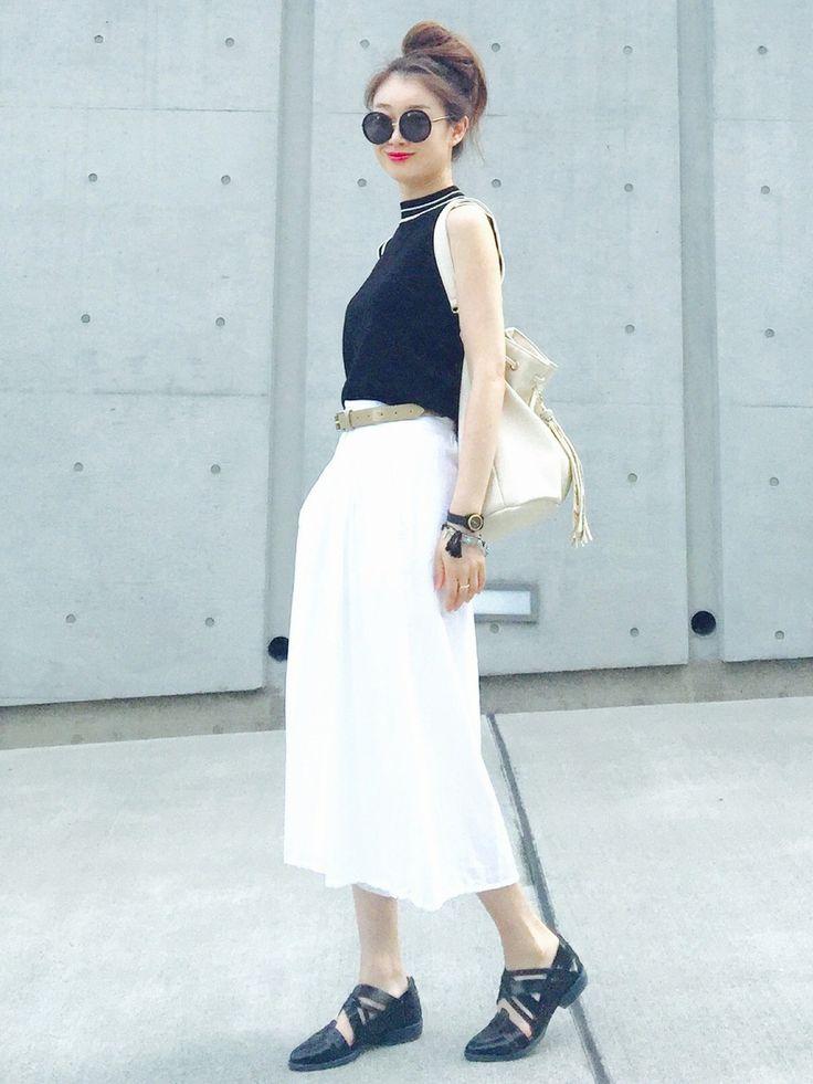 白のマキシ丈ツカンツはリラックスしたモードな雰囲気に♡人気・おすすめのスカンツのモテコーデ参考一覧♡♪