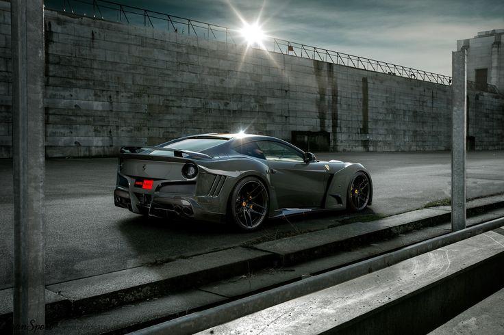 Niesamowita seria zestawów aerodynamicznych Novitec N-Largo została zapoczątkowana przez pakiet dla Ferrari F12berlinetta. Teraz, gdy seria N-largo liczy już więcej projektów, szerokie F12 powraca w wielkim (i szerokim) stylu!   Więcej informacji na naszym blogu: http://gransport.pl/blog/novitec-rosso-n-largo-na-bazie-ferrari-f12berlinetta/  Oficjalny dealer NOVITEC w Polsce GranSport - Luxury Tuning & Concierge http://gransport.pl/index.php/novitec.html