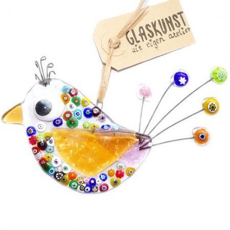 Handgemaakte glazen vogel hanger met millefiori versiering in alle kleuren van de regenboog!