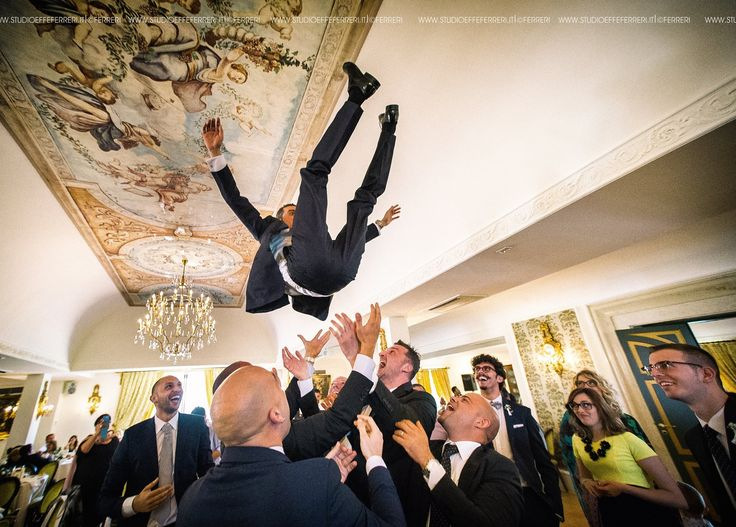 the flight of the groom - reception - crazy friends