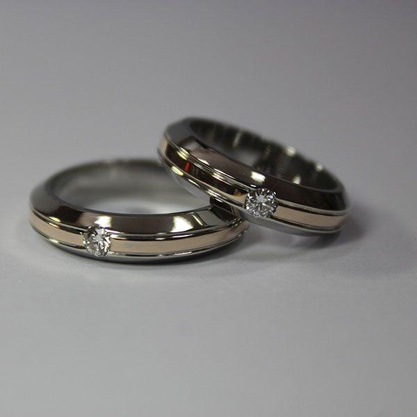 обручальные кольца из белого и рыжего золота с бриллиантами