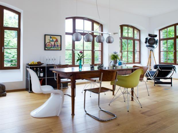 """Den """"Panton Chair"""" mit Stuhl-Klassikern mixen Schöne Fenster,schöner Tisch"""