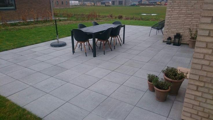 Terrasse med 40x40 fliser