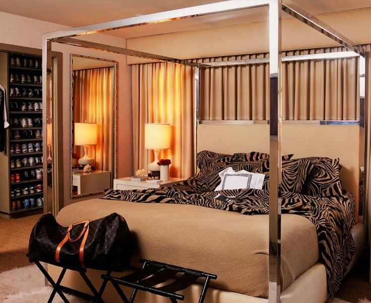 .: Romantic Bedrooms, Interiors Design, Master Bedrooms, Zebras Prints, Canopies Beds, Beds Frames, Four Posters Beds, Beds Design, Bedrooms Ideas
