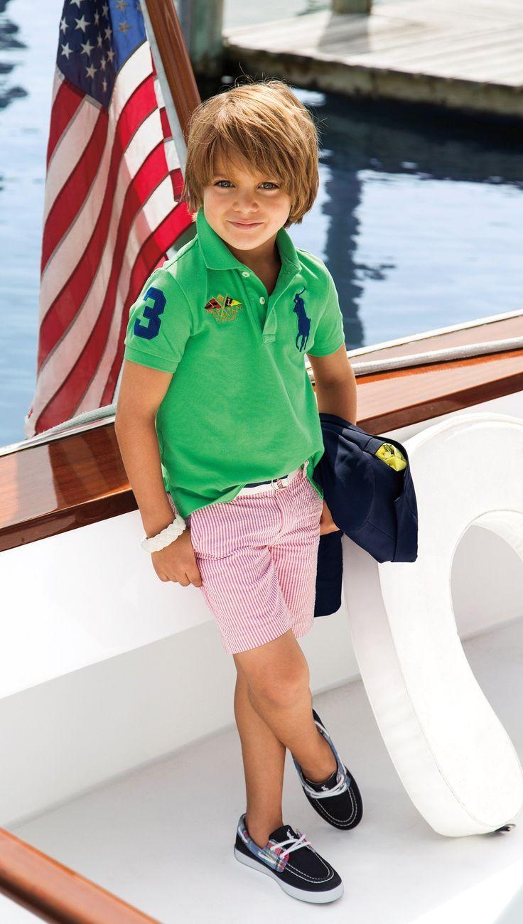 Des touches de couleurs éclatantes pimentent les tenues sportives de l'été. #RLKids