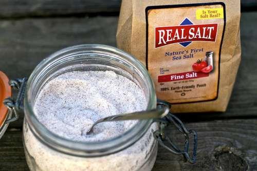 sal marinho alimento branco