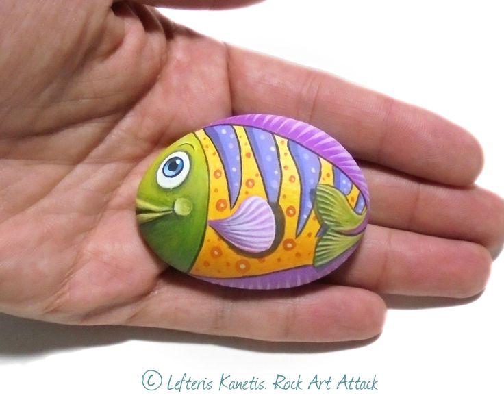 La main peinture de galets colorés poissons mignons aimant de réfrigérateur ! Peint avec la qualité acrylique peint et fini avec du vernis brillant. par RockArtAttack sur Etsy https://www.etsy.com/fr/listing/267818268/la-main-peinture-de-galets-colores