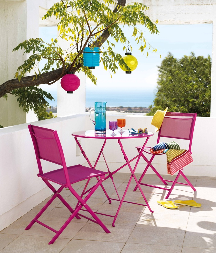 The Blooma Saba bistro table and folding chairs is not only perfect for small spaces - it provides an instant makeover to your garden with its sizzling shades. #gardenfurniture