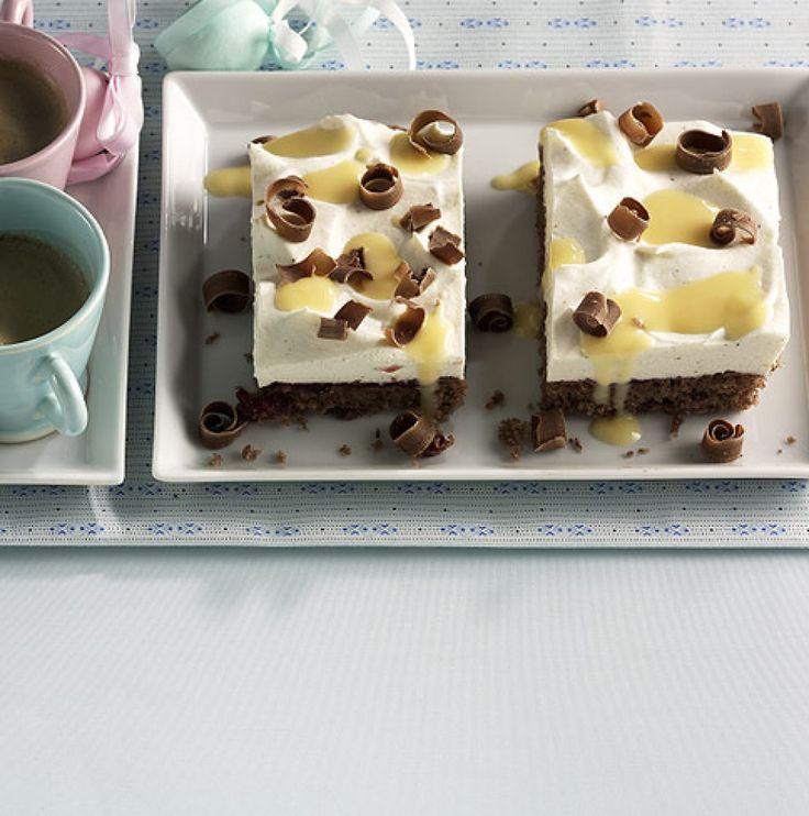 Rezept für Eierlikör-Schnitten bei Essen und Trinken. Und weitere Rezepte in den Kategorien Eier, Milch + Milchprodukte, Nüsse, Alkohol, Kuchen / Torte, Backen.