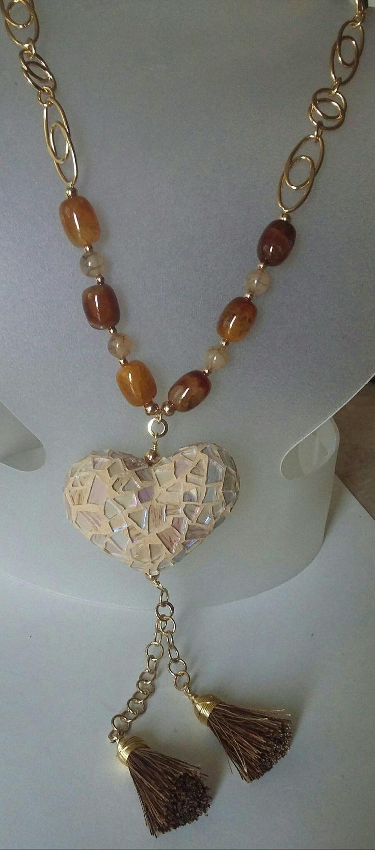 f3861a458805 Collar largo de Creaciones Little Flower. Bisutería fina 100% artesanal.   Bisuteria