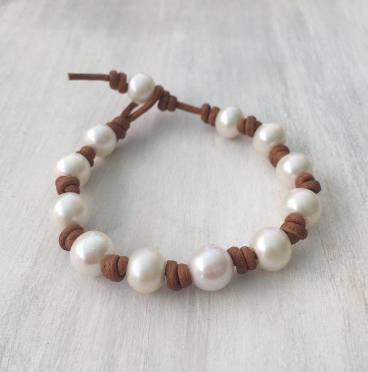 Just in: Leather pearl bracelet #leatherandpearls #pearlsonleather #pearlandleatherbracelet #pearlbracelet #etsy #etsyseller #pearljewelry