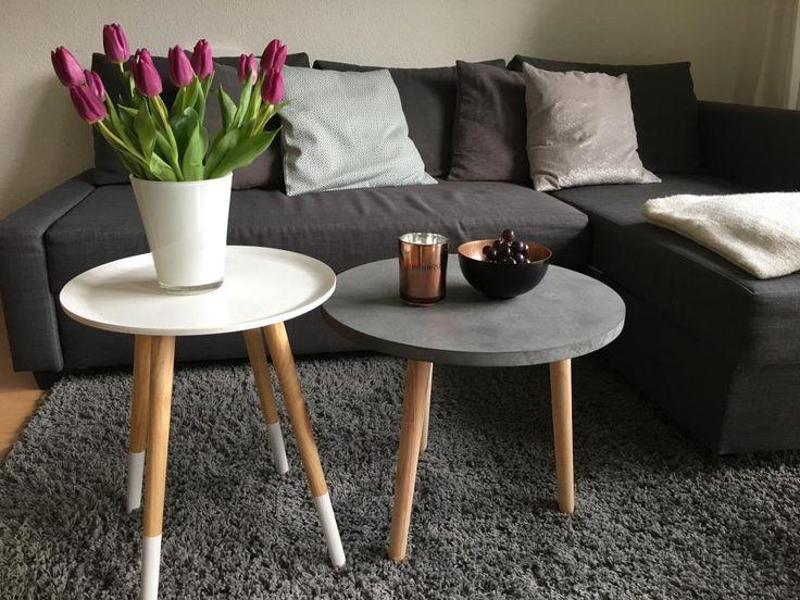 Einfache Dekoration Und Mobel Sommerliche Textilien #15: Wohnzimmertischchen Sind Der Perfekte Ort Für Dekoration! Hier Schön  Sommerlich Mit Blumen! #ideen