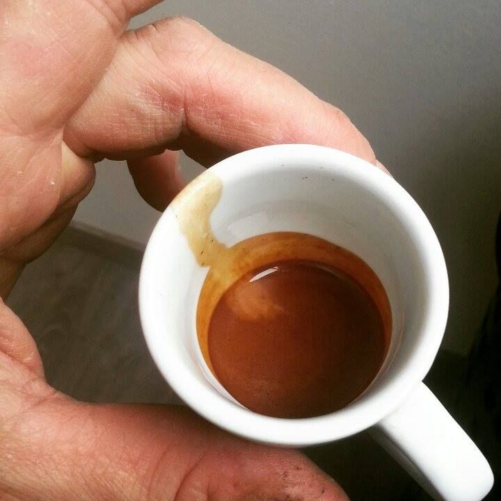 Caffè ABC Uganda. Monorigine Robusta cioccolatoso. Direttamente in torrefazione appena tostato e preparato.