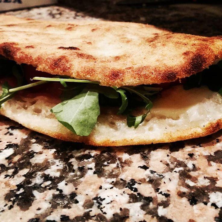 Saltimbocca crudo e rucola #novità #nuovaPizza #larustica #agazzano #saltimbocca #crudo #rucola #pizza #daprovare