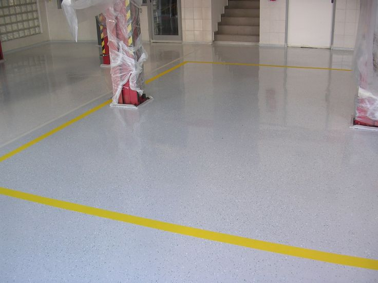 Liate epoxidové podlahy sú nenasiakavé, bezprašné a ľahké na údržbu.