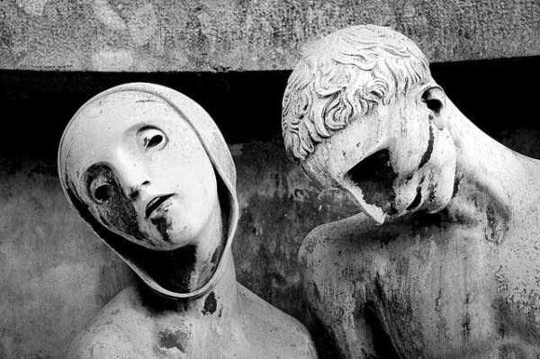 25 Morbidly Bizarre Cemetery Statues Cemetery Statues