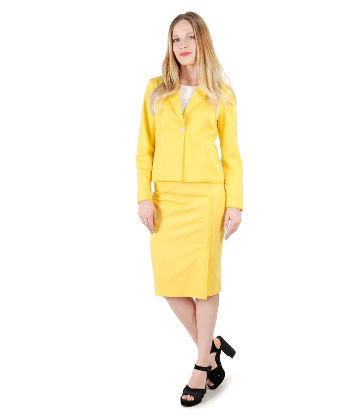 This summer, bring the sun at the office! SUMMER 17 | YOKKO #cotton #yellow #color #suit #office #business #fashion #skirt #jacket #women #style #fashion #summer17 #yokko