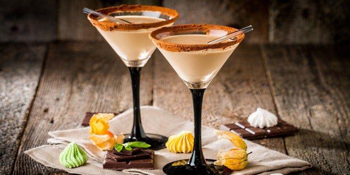 vinjournalen.se -  Vin Tips : I väntan på snön... prova några vintriga likördrinkar |  Basen i dessa två drinkar är smaskiga Merrys White Chocolate Irish Cream från den irländska producenten Robert A. Merry & Co. Att skapa goda krämiga och naturliga likörer har länge varit en fin tradition på Irland som kombinerar en naturlig mjölkproduktion med det gamla irländska hantverket a... http://wp.me/p73gTR-3sE