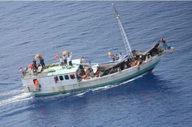 Posted by Bob Ellis on November 21, 201512 comments  A boat with refugees on it got to within a few hundred metres of Christmas Island yesterday. It was then, we are told, 'turned back' into dange... http://winstonclose.me/2015/11/21/those-in-peril-on-the-sea-written-by-bob-ellis/