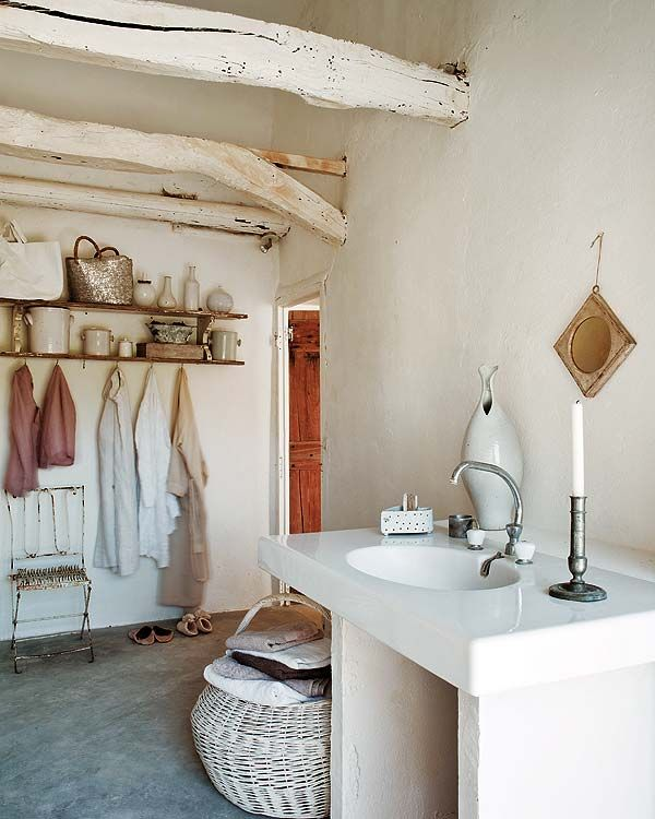 High Quality A Simple And Rustic Style Bathroom. We Love The Vintage White Color Scheme  And The