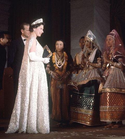 Queen Elizabeth II (1926-living2015) UK игосударственным визитом в Индию, 1961