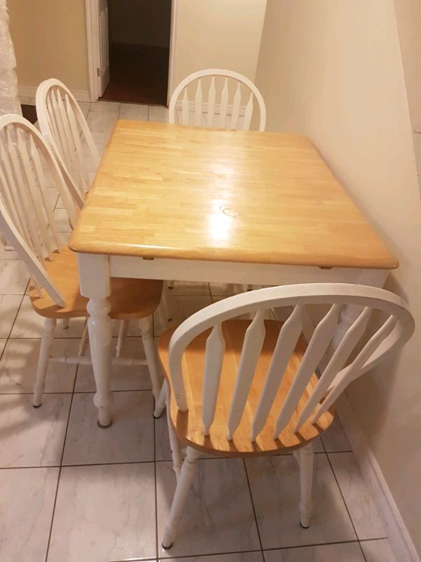 Separate entrance with two bed room, clean and spacious basement. Very convenient location-close to shoppers world, no frills, Indian Food land & Sheridan college. Closest intersection Steeles/Queen, 2min walk to bus stops. May be 5 minutes' drive to Sheridan College Furnished with a queen b...