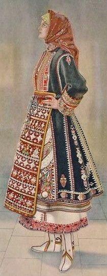 Greek woman's dress from Makra Gefyra (Thrace). Rural costume, ca. 1900.
