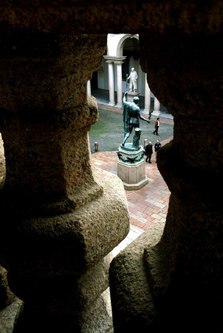Pinacoteca di Brera, courtyard from the staircase.