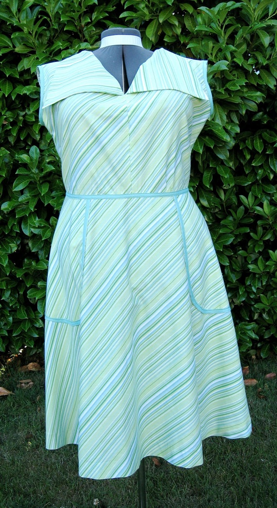 Hostess dress, made from upcycled bed sheet. Cute and comfy!
