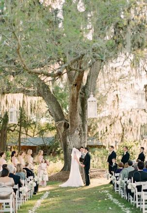 Wedding under huge willow tree at Cross Creek Ranch, FL...photo: Lexia Frank, Portland OR
